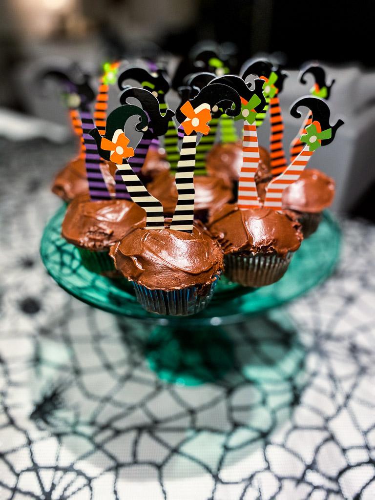 National chocolate cupcake day, halloween desserts, halloween treats, halloween baking, easy halloween treats, easy halloween desserts ideas, easy halloween desserts to make, easy halloween desserts recipes, cupcake toppers, chocolate cupcake, cupcake facts, fun facts about cupcakes, all about cupcakes, adorable cupcake toppers