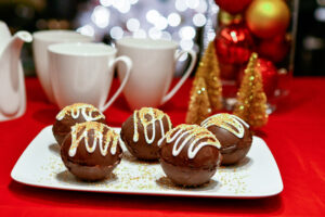 Elegant Hot Chocolate Bombs