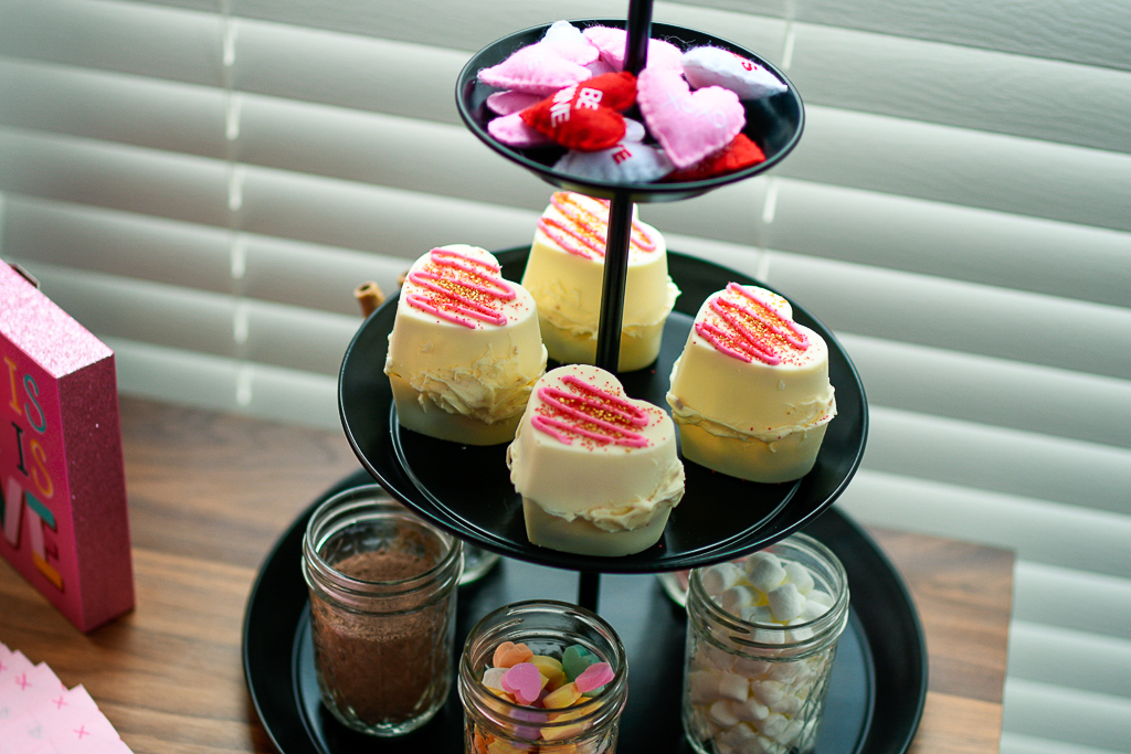 valentines hot chocolate bar